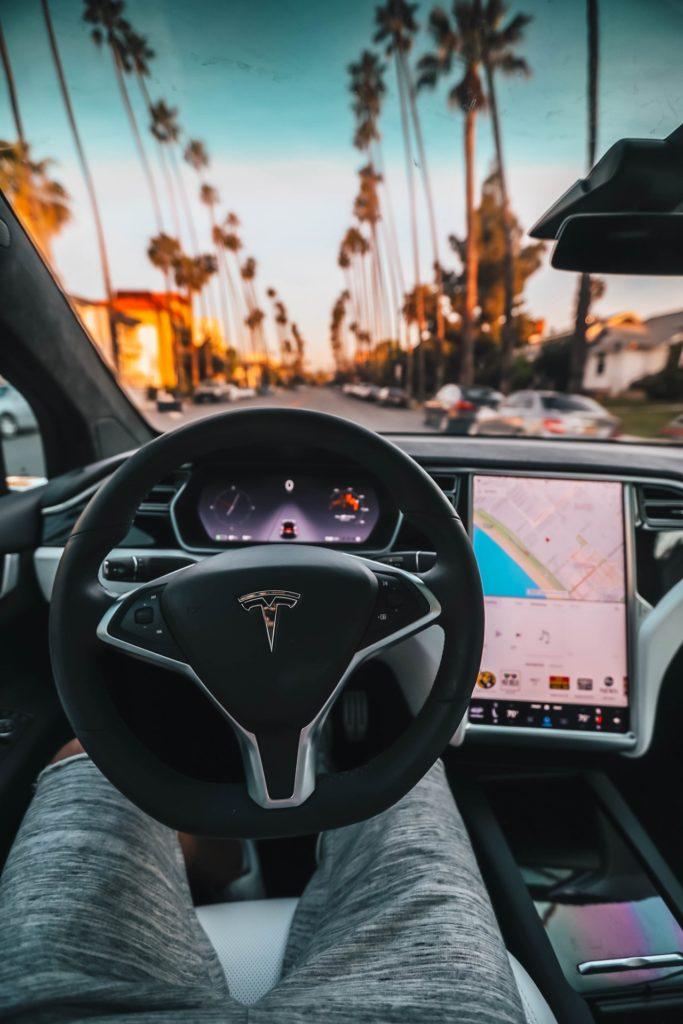 Elon Musk hat mit Tesla das Konzept von Autos verändert.