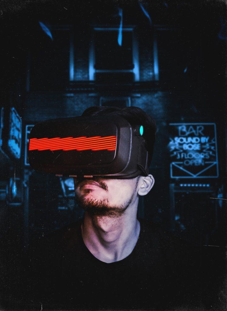 Die virtuelle Realität ermöglicht es den Unternehmen Werbebotschaften auf eine neu Weise zu verbreiten.