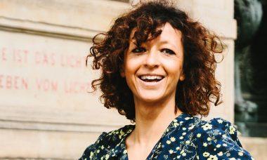 Charpentier-Emmanuelle-800-600-Photo-Gene-Glover.jpg