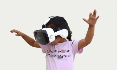 augmented-virtual-reality-in-the-classroom.jpg