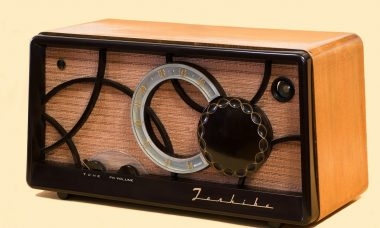 tube-radio-67772_1920
