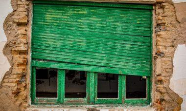 window-1190117_960_720